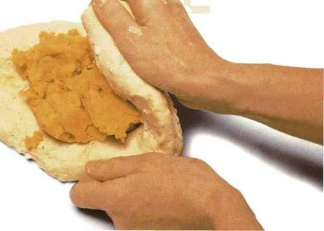 Хлеб со сладким картофелем и специями
